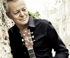 Tommy Emmanuel Discusses It's Never Too Late