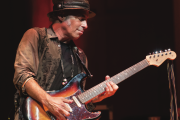 Nils Lofgren Talks About His 'Bonus Tracks'