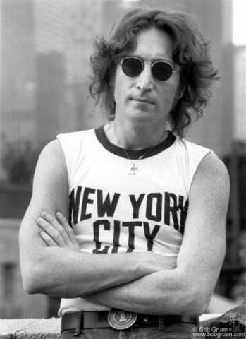 Bob Gruen's Studio - John Lennon - The NYC T-Shirt Photo