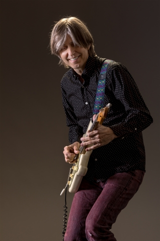 Eric Johnson Credit Max Grace3