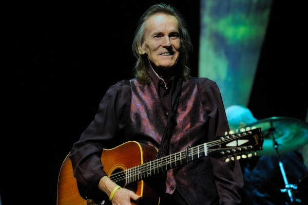 Gordon Lightfoot 01