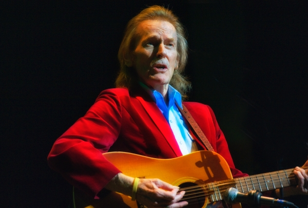 Gordon Lightfoot 02 Reduced