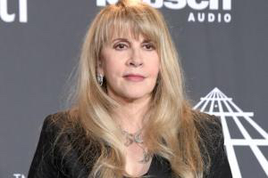 81220 stevie nicks