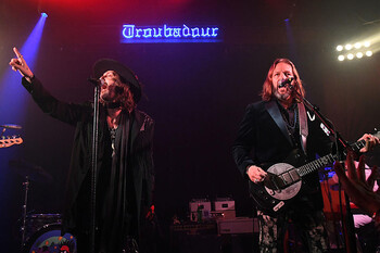 Black Crowes Chris and Rich Robinson1