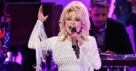 Dolly parton CH2 17Nov2020