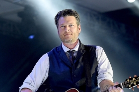 blake shelton awards shows credibility