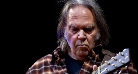 neil young sue trump