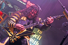 stryper oz fox